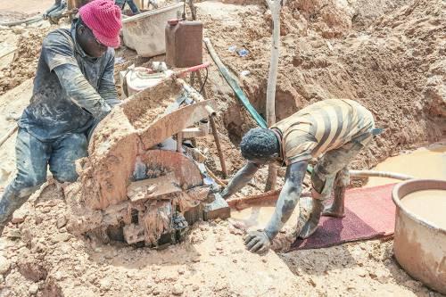 Miners in eastern Guinea